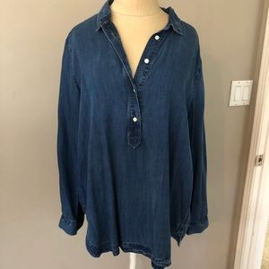 Loft LP chambray Top from smoke-free home.